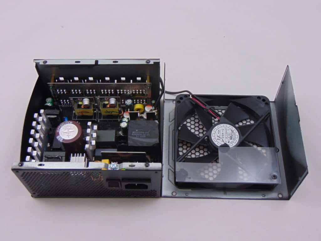 GIGABYTE P750GM 750W Power Supply Opened Up Inside