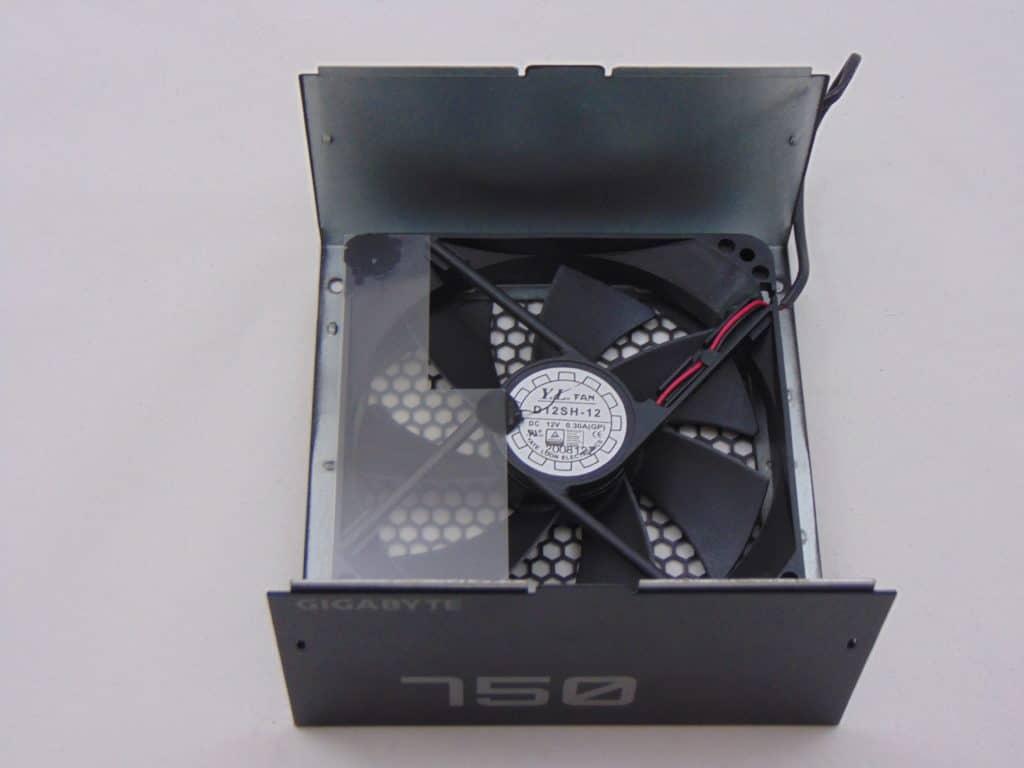 GIGABYTE P750GM 750W Power Supply Inside Fan