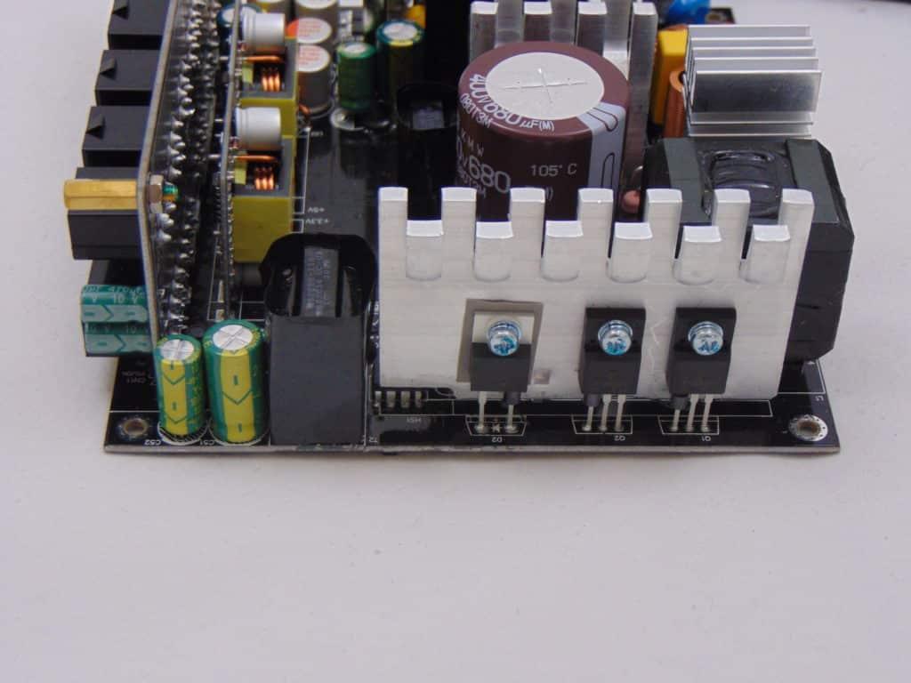 GIGABYTE P750GM 750W Power Supply Closeup of Capacitors