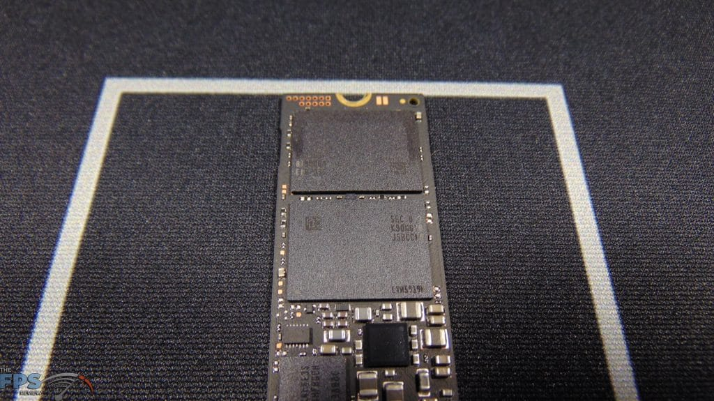 Samsung 970 EVO Plus NVMe M.2 SSD 500GB Closeup of 3D NAND flash
