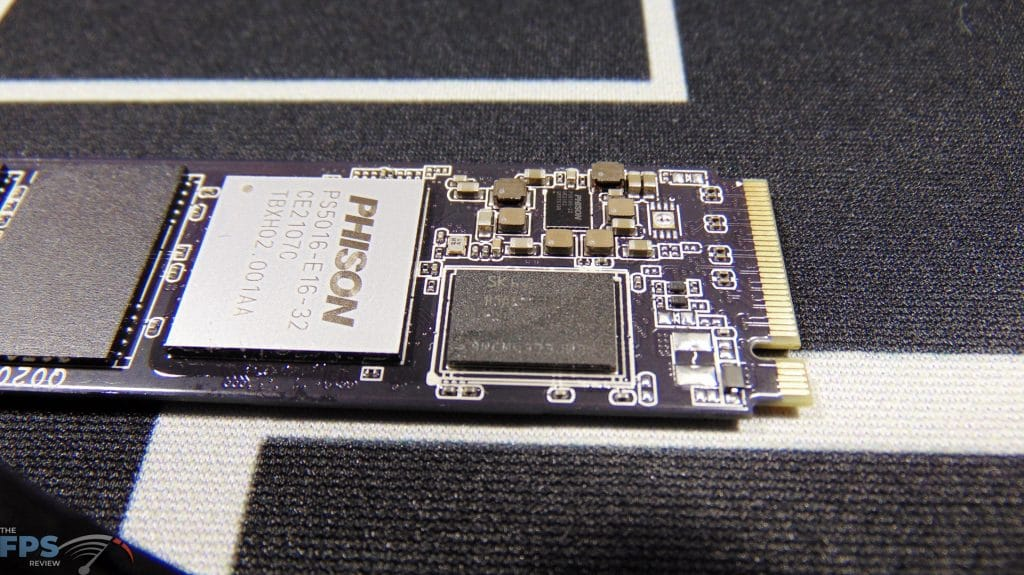 CORSAIR Force Series MP600 1TB Gen4 PCIe x4 NVMe SSD ddr4 dram closeup
