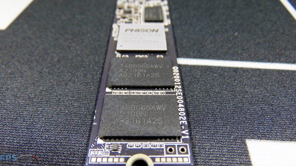 CORSAIR Force Series MP600 1TB Gen4 PCIe x4 NVMe SSD 3d tlc nand flash closeup