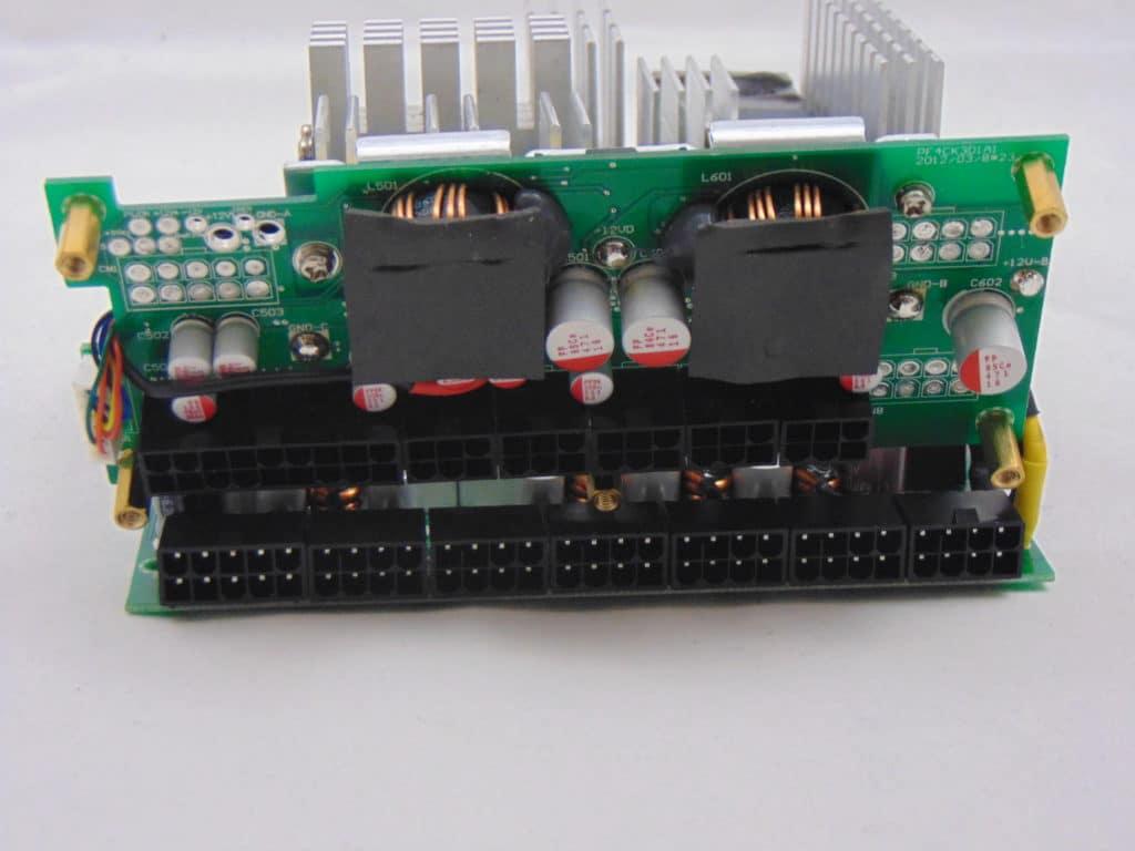 SilverStone NJ700 700W Fanless Power Supply capacitors