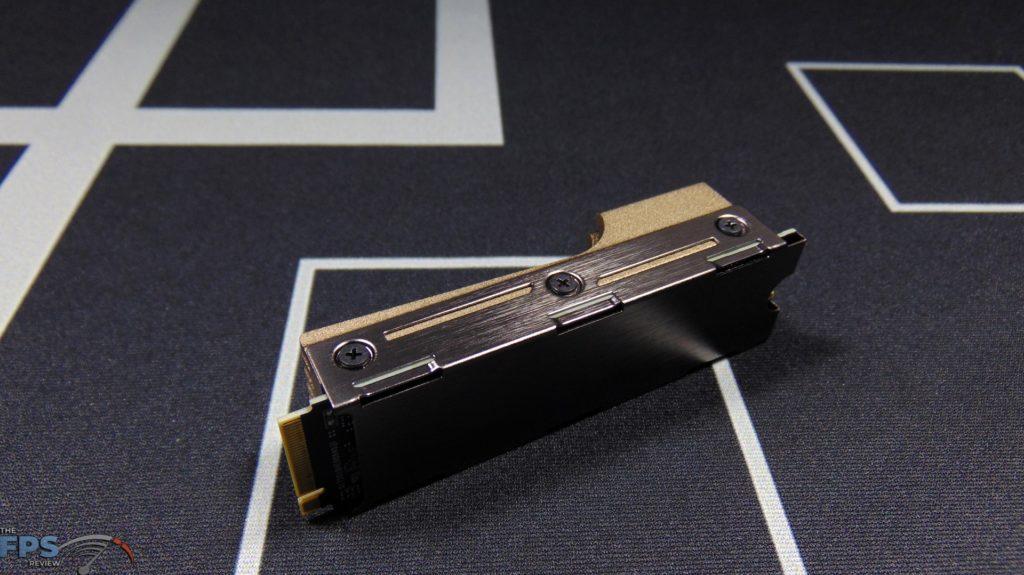 MSI SPATIUM M480 2TB HS PCIe 4.0 Gen4 NVMe SSD and Heatsink Side View